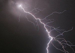lightninguganda-afp
